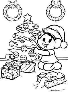 Mônica arrumando árvore de Natal